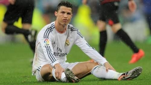 Проигранный Суперкубок, «вялая» победа в 1-ом туре и убийственный конфуз на «Аноэте». Последние результаты «Мадрида» неслабо встревожили болельщиков. Родион Жук пытается понять, в чём дело.