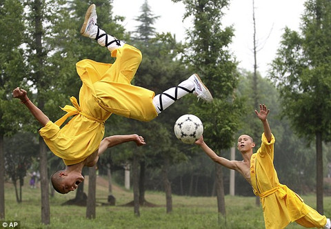 http://cdn.shopify.com/s/files/1/0155/8367/files/feiyue_soccer_2_large.jpg?283