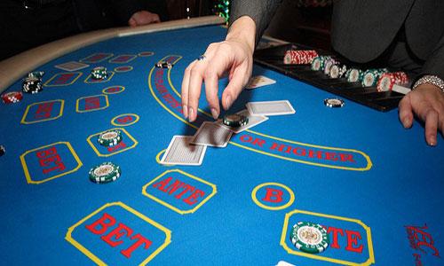 играть в карты в казино сон